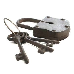 Other - Retro lock & key